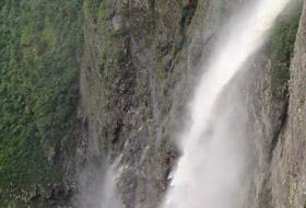 Cachoeira da Fumaça e Cachoeira do Riachinho